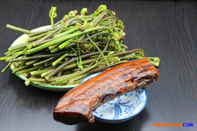 中方蕨菜及蕨菜炒腊肉的做法